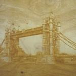 Holzgravur auf Platte